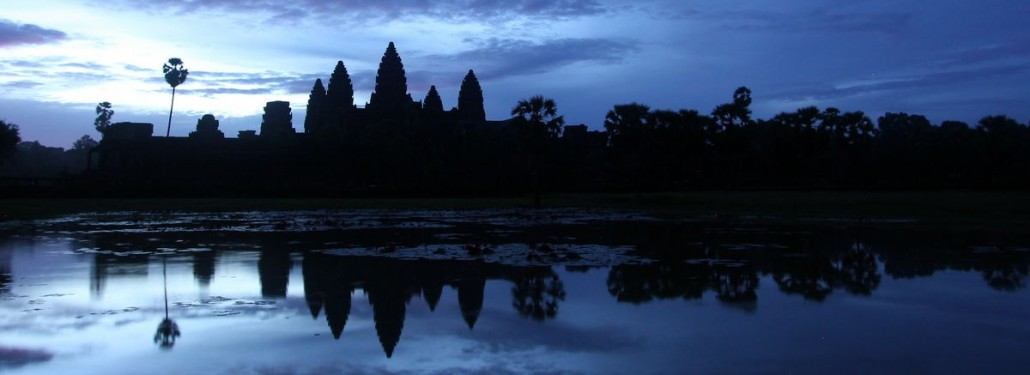 Angkor Wat Sunrise & Monks